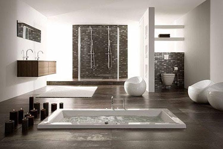 Renovatie Badkamer Tegels : Kosten nieuwe badkamer wat zijn de prijzen voor het laten plaatsen?