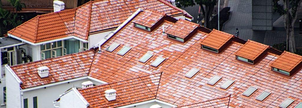 kleine nokverhoging met dakraam